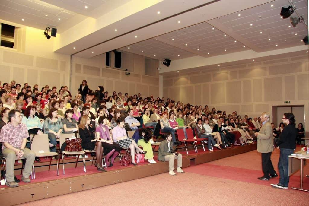 Conferinta sustinuta de Jaques Salome in Romania