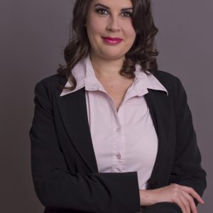 2019 Cati Calin devine singurul formator de formatori din Romania acreditata de catre Institutul ESPERE International din Franta si organizeaza primul program de formare condus de ea.